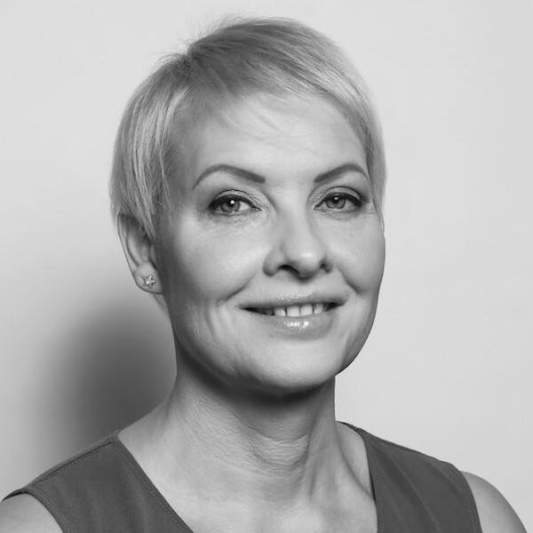 Frau Cornelia Krämer