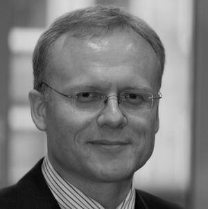 Herr Uwe Gröber